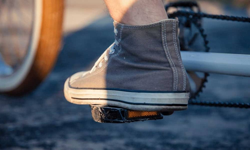 Sandals vs Shoes
