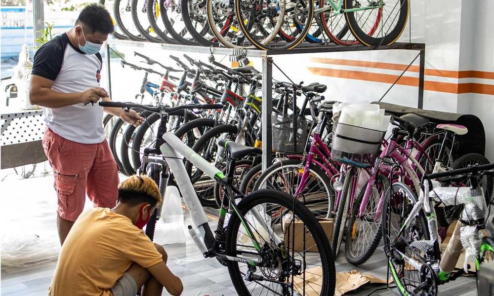 How much do bike mechanics make